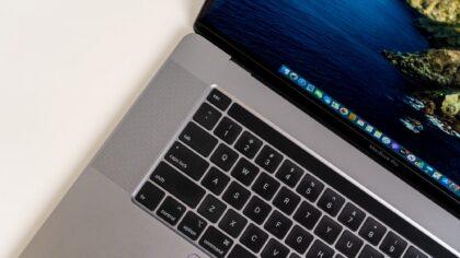 Noile Apple MacBook Pro-uri vor...