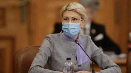 Ministrul Muncii, Raluca Turcan, a...
